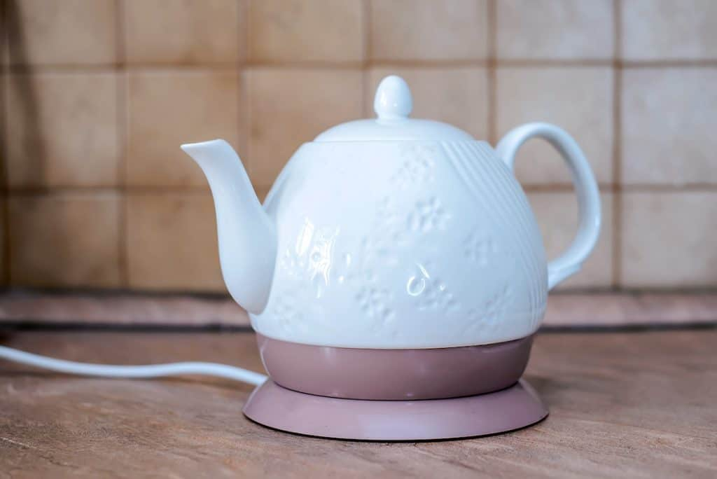 a ceramic electric kettle looking like a teapot, are ceramic kettles safe?
